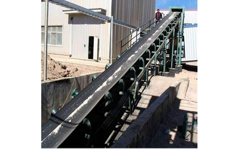 Belt conveyor conveying speed is unfavorable use too fast